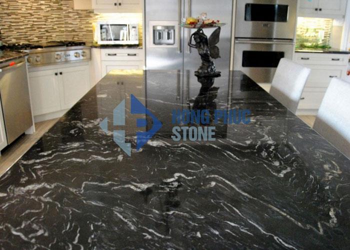 Đá bàn bếp Granite Black Fores